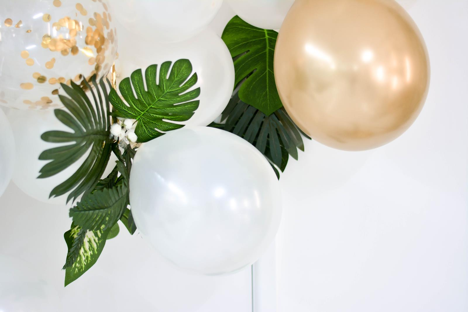 Giving Gifts for the Deceased – Tips on Planning Great Gifts to Give During the Holiday Season